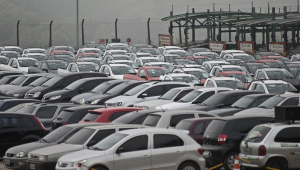 Vendas de automóveis subiram 21,6% em maio, diz Fenabrave