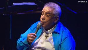 Agnaldo Timóteo é transferido da Bahia para SP; quadro do cantor é crítico
