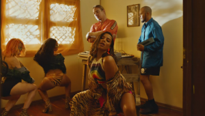 'Make It Hot': Novo feat de Major Lazer e Anitta ganha clipe festivo cheio de mojitos