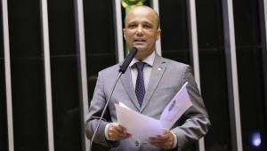 Major Vitor Hugo minimiza críticas de Guedes ao relatório da Previdência: 'Parlamento tem a posição final'
