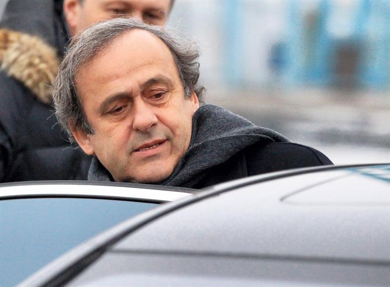 Platini é solto na França após 15 horas de interrogatório