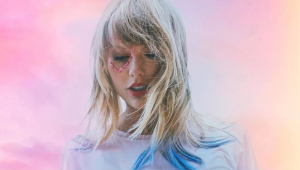 Taylor Swift divulga nome e data para álbum e inédita 'You Need To Calm Down'