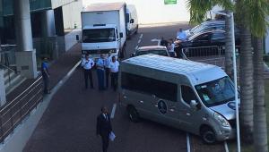 Van da seleção argentina bate em frente a hotel onde jogadores estão hospedados