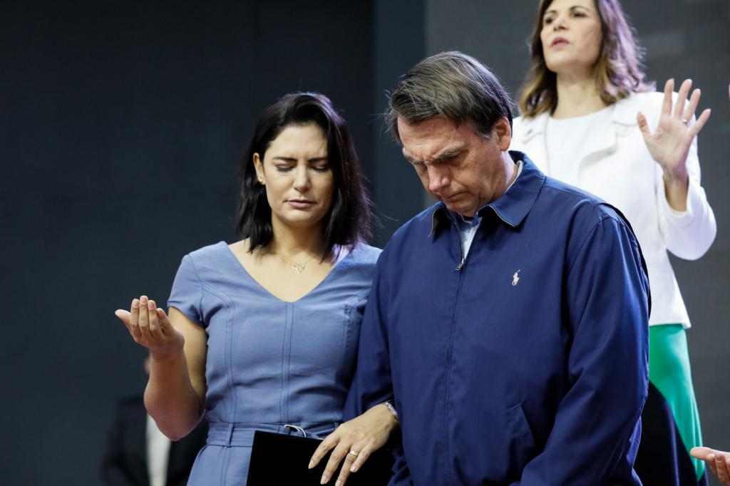 Bolsonaro: governantes que sentem solidão tem 'descompromisso com lealdade' e se 'afastaram de Deus'