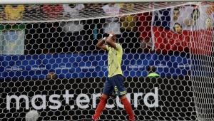 Esposa de colombiano que perdeu pênalti na Copa América relata novas ameaças: 'Recebi foto dos meus filhos'
