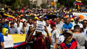 Intervenção militar na Venezuela é pouco provável, diz especialista