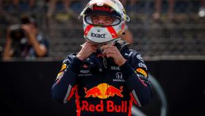 Red Bull confirma Albon como companheiro de Verstappen até o fim da temporada