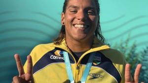 Ana Marcela Cunha é tetracampeã mundial na maratona aquática dos 25 km