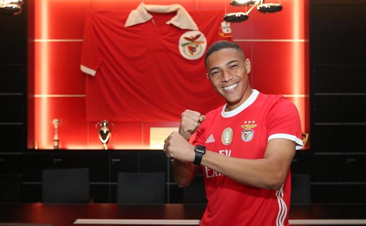 Sexta opção como zagueiro, ex-Palmeiras vira atacante e é contratado pelo Benfica por R$ 71 milhões