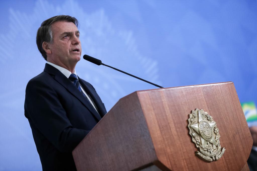 Bolsonaro diz que pode rever multa do FGTS 'no futuro': 'menos direitos e emprego'