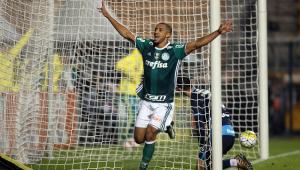 Palmeiras encaminha a volta do zagueiro Vitor Hugo, campeão brasileiro em 2016