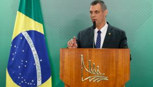 Bolsonaro é ovacionado em todas as cidades que vai, diz porta-voz