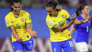 Real Madrid mira em volante da seleção brasileira para ter 'galácticas' no time feminino