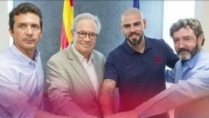 Victor Valdés volta ao Barcelona para ser treinador de equipe da base