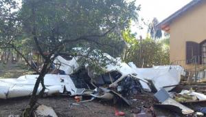 Um avião de pequeno porte caiu nesta sexta-feira em Campo Limpo Paulista, a 60 quilômetros de São Paulo