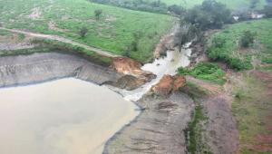 Na última quinta-feira (11), a cidade vizinha Coronel João Sá foi invadida pelas águas do Rio do Peixe após o transbordamento e o rompimento da barragem Quati, também localizada em Pedro Alexandre