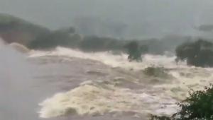 Uma barragem se rompeu em um povoado de Pedro Alexandre, localizada a cerca de 435 quilômetros de Salvador, na manhã desta quinta-feira (11)