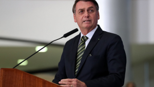 Bolsonaro assina MP que transfere Coaf para o Banco Central