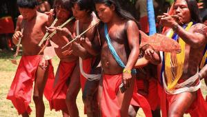 indios-morte-de-cacique-por-garimpeiros.jpg