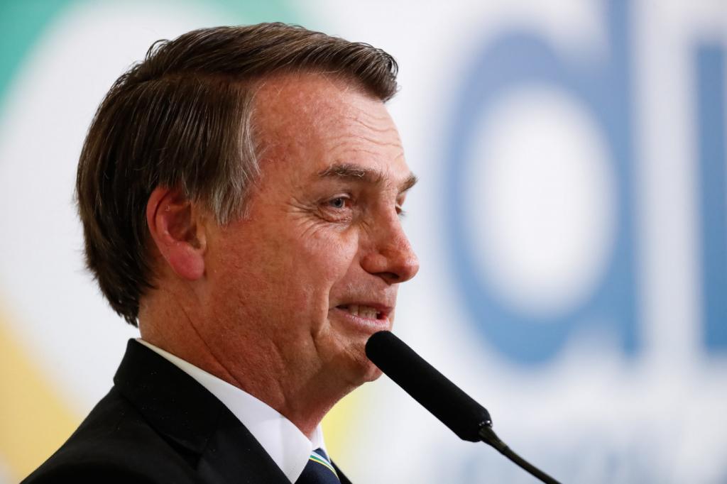 Após declarações polêmicas, Bolsonaro diz que imprensa 'distorce suas palavras': 'Morrem de saudades do PT'