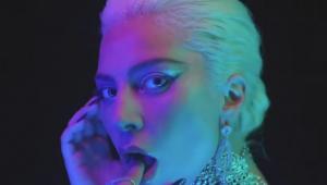 Lady Gaga anuncia linha de cosméticos 'Haus Laboratories'; veja