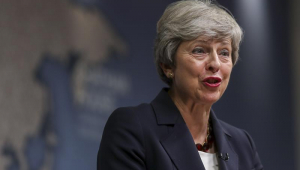 Theresa May parabeniza Boris Johnson e promete 'total apoio'