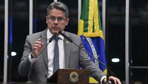 Senador pró-CPI da Lava Toga diz que ministros do STF agem contra a Lava Jato