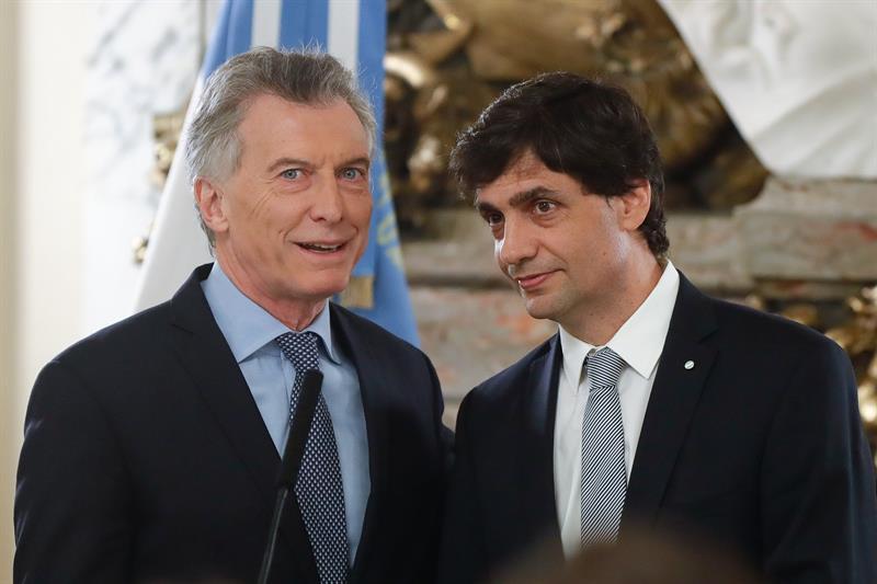 Novo ministro da Fazenda de Macri promete cumprir acordos; peso sobe