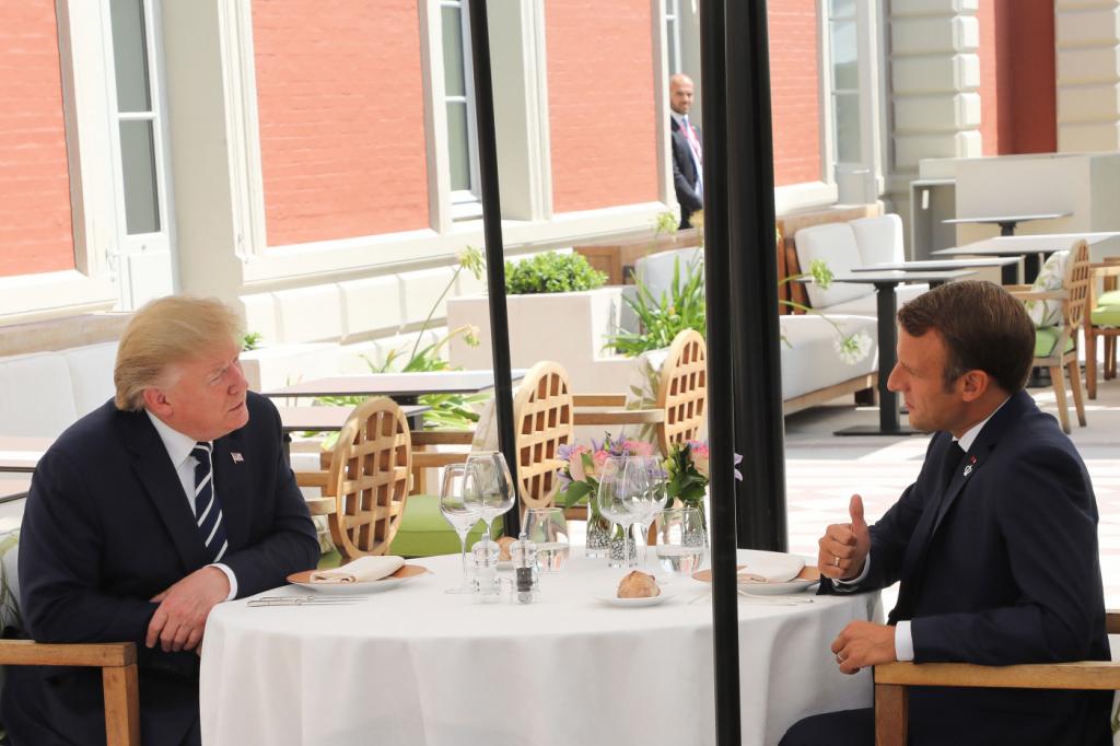 G7: Macron e Trump têm primeiro encontro em tom conciliador