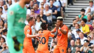 Joelinton marca pela primeira vez no Inglês, e Newcastle vence Tottenham fora de casa
