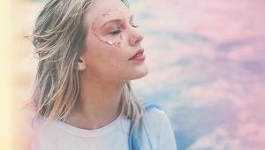 Taylor Swift se arrepende de não ter falado publicamente contra Trump nas eleições americanas