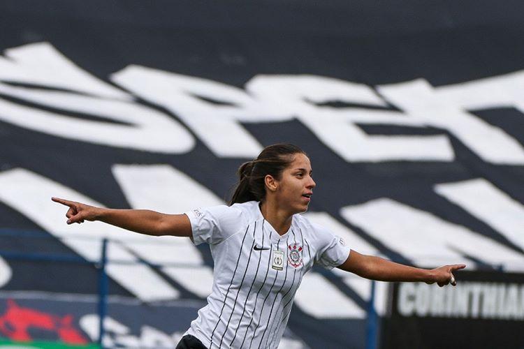 Time feminino do Corinthians bate a Ferroviária e amplia recorde de vitórias consecutivas