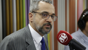 Novos Caminhos: 'Há preconceito com o ensino técnico no Brasil', diz ministro da Educação