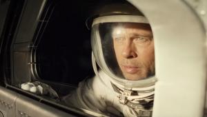 Brad Pitt busca respostas no espaço em novo trailer de 'Ad Astra'