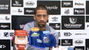 De volta ao Brasil, Evandro diz ser mais fácil jogar no esquema de Sampaoli