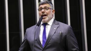 Carla Zambelli explica a expulsão de Alexandre Frota do PSL