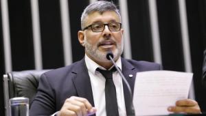 Frota se manter no PSDB é lamentável, diz ex-senador