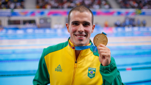 Bruno Fratus e Etiene Medeiros ganham ouro na natação no Pan de Lima