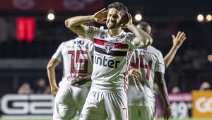 São Paulo bate Santos de virada e vence o primeiro clássico no ano