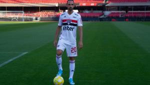 Juanfran aparece no BID e pode estrear pelo São Paulo