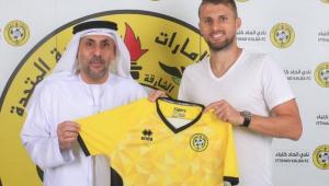 Ex-Corinthians, zagueiro Henrique é anunciado pelo Al-Ittihad Kalba
