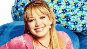 Após 15 anos, Hilary Duff revive Lizzie McGuire em nova série do Disney+