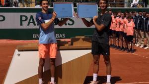 Campeão Juvenil de Roland Garros visita à Jovem Pan