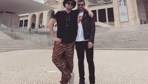 Paulo Gustavo e Thales comemoram nascimento de gêmeos: 'Agora somos pais'