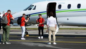 Coutinho chega à Alemanha para assinar com o Bayern e é exaltado: 'Pode fazer a diferença'