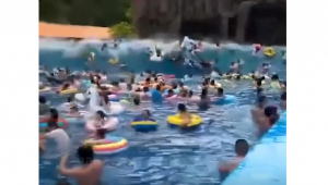 acidente-em-piscina-na-china-deixa-44-ferido.jpg