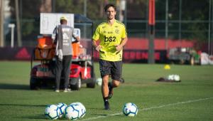 Vitinho e Rodrigo Caio treinam e podem reforçar o Flamengo contra o Inter na Libertadores