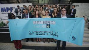protesto-procuradores-pgr.jpg