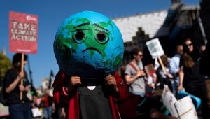 Manifestantes vão às ruas por ações contra aquecimento global