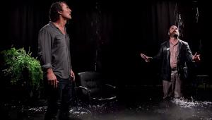 Zach Galifianakis afoga Matthew McConaughey em entrevista na nova comédia da Netflix; veja o trailer